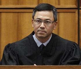 Judge in Hawaii extends order blocking Donald Trump's travel ban