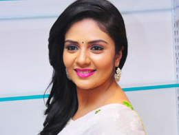 Sreemukhi Opens Up About Marriage Rumors