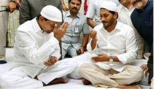 Jagan seeks KCR's help