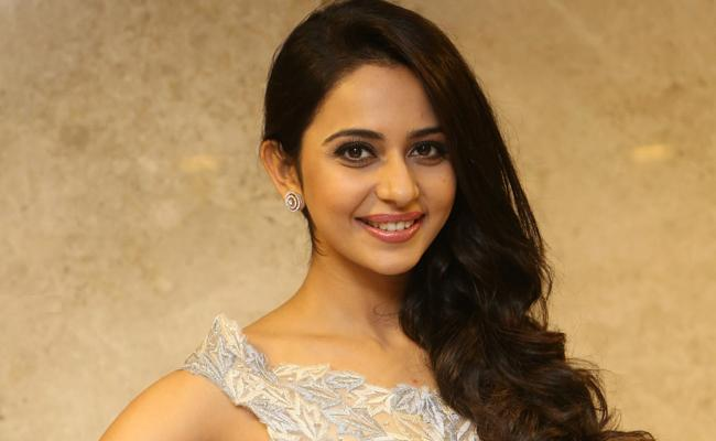 Rakul Preet busts rumours about buying alcohol
