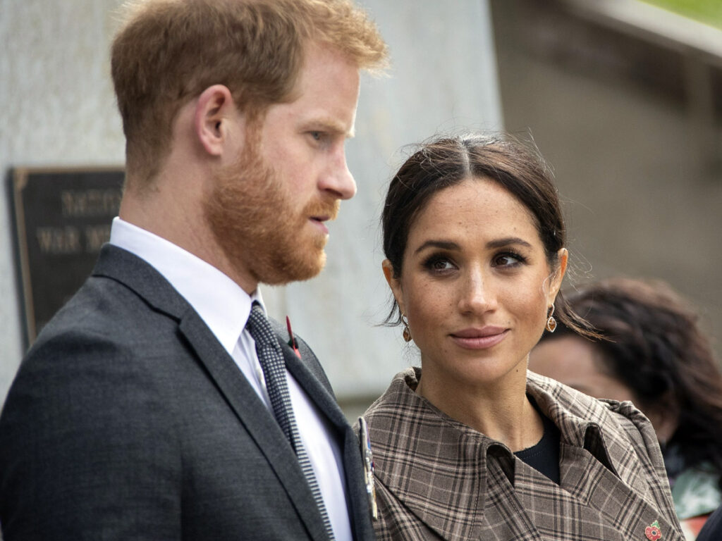 Meghan and Prince Harry Calls The Cops On The Paps