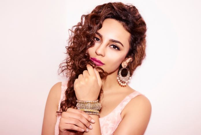 This Picture of Seerat Kapoor show that she is all ready to celebrate Eid