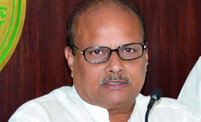 Yanamala condemns attack on Dalit Judge