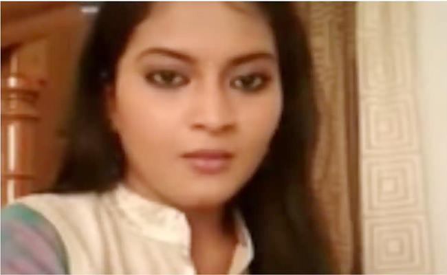 Telugu TV Actress Kondapalli Sravani Commits Suicide
