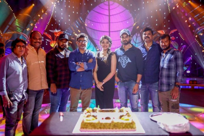 Krithi's birthday celebrated on the sets of AAGMC