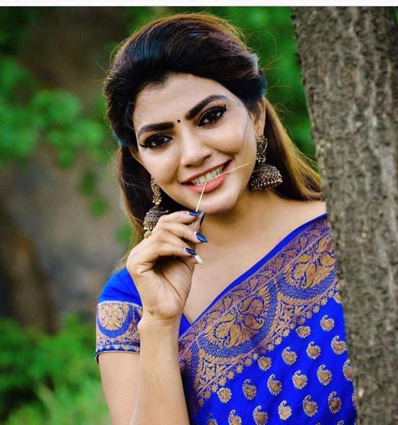 Lahari Shari (Actress) Wiki, Biography, Age, Family, Images, Movies