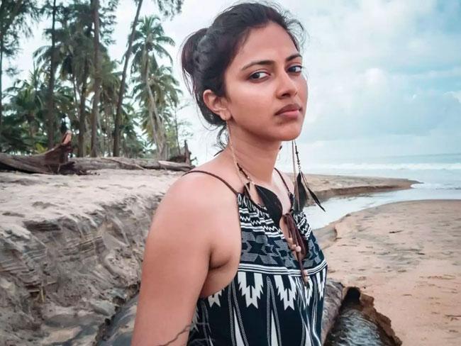 Actress Wants More Money For Lip-lock Scene With Nagarjuna?