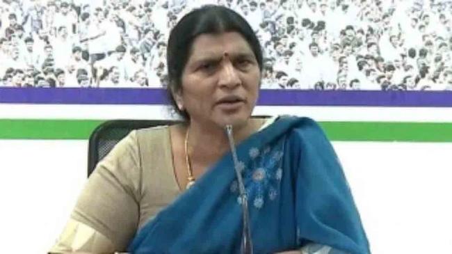 Lakshmi Parvathi attacks CBN on his strike against YSRCP!